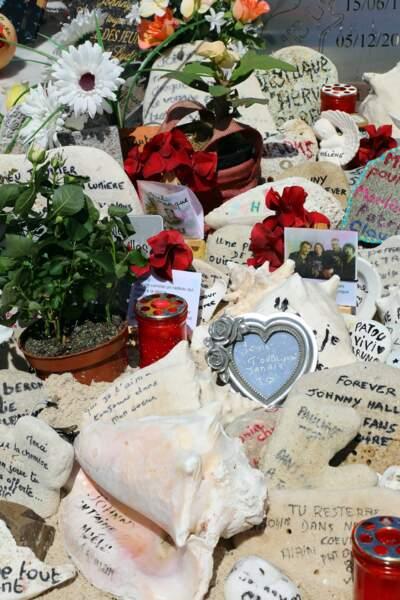 La tombe de Johnny Hallyday à Saint-Barthélemy
