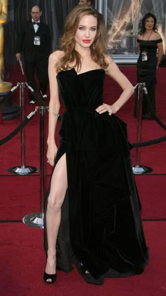 Le ridicule ne tue pas, Angelina Jolie en est la preuve...