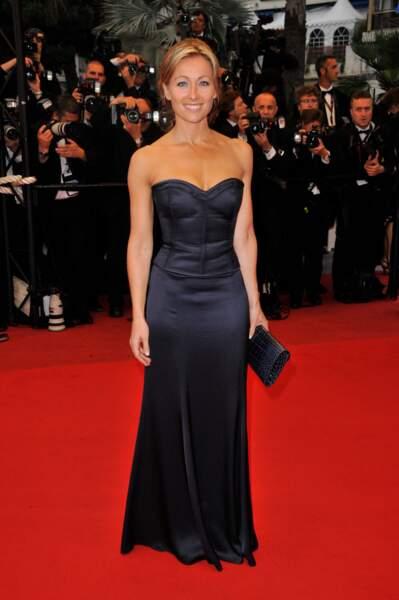 Retour sur l'évolution look d'Anne-Sophie Lapix : en 2009 elle est chez Canal+ et aussi au Festival de Cannes