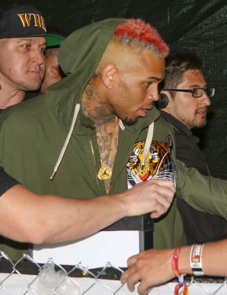 La nuit tombe, le bad boy Chris Brown arrive...