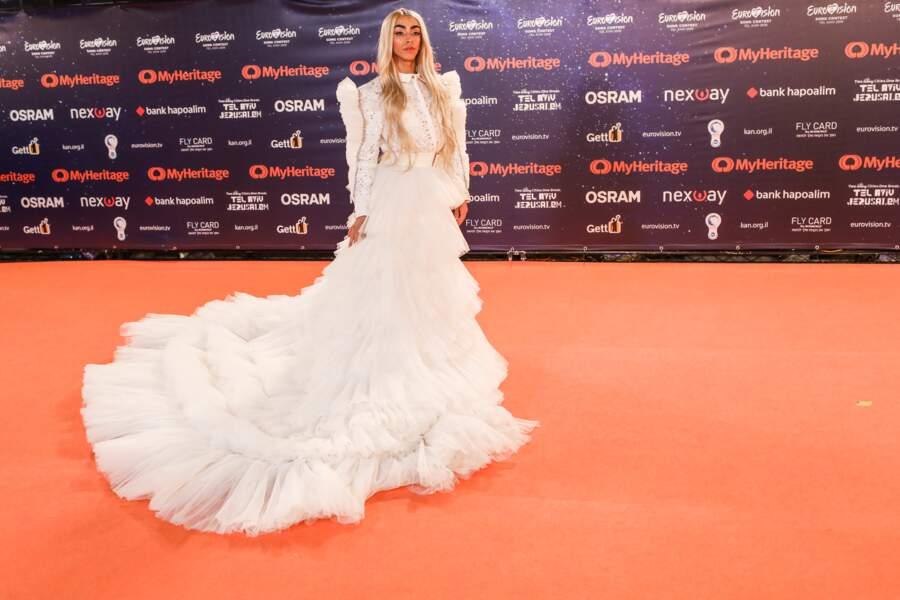 Bilal Hassani est apparu à la cérémonie d'ouverture de l'Eurovision dans une impressionnante robe blanche