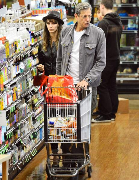 Jeff Goldblum au supermarché : quelle mouche l'a piqué ? (avec sa femme Emilie Livingston)