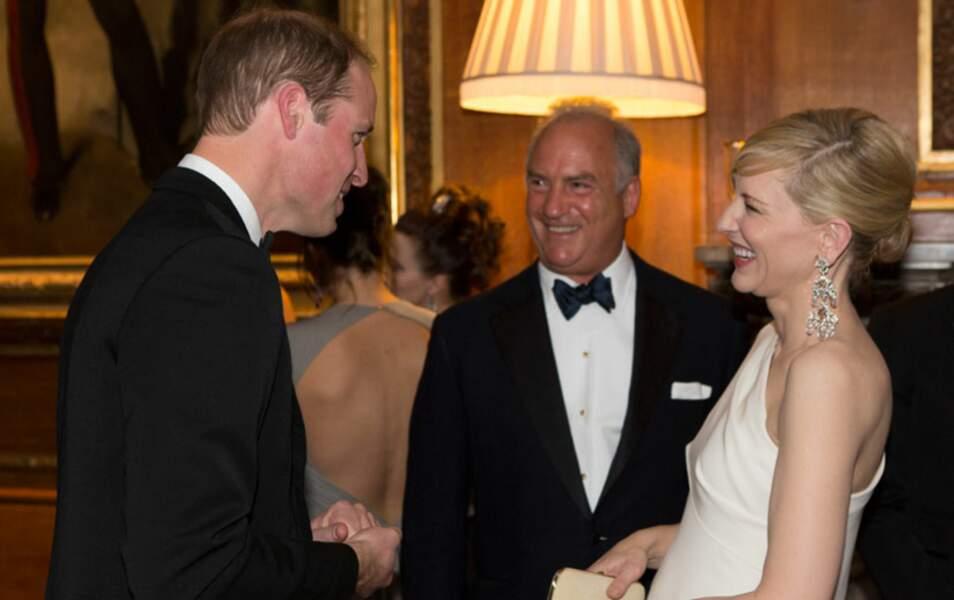 Cate Blanchett ne peut se retenir de rire aux blagues du prince