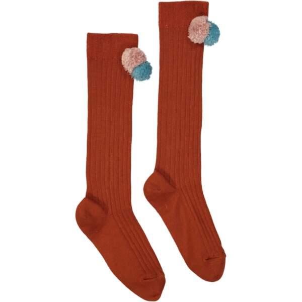 Chaussettes rouille à pompons. En coton, du 23/24 au 33/34, 34 €, Hello Simone