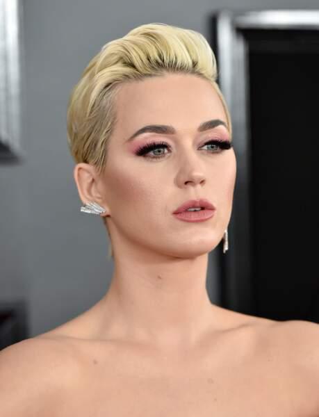 Cheveux : quand les stars passent toutes au blond, comme Katy Perry