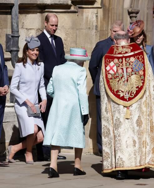 Kate Middleton était aux petits soins pour la reine Elizabeth II