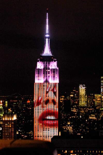 New York aussi a souhaité un Happy Birthday au Harper's Bazaar