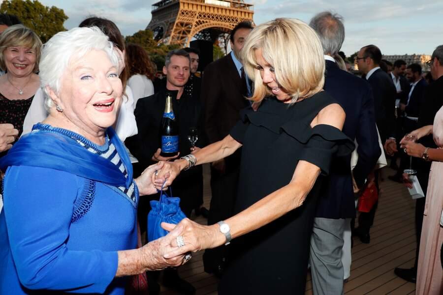 C'est dingue ! Brigitte Macron vient de se rendre compte qu'elle n'était pas à la soirée de Michou !