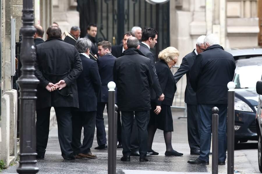 Bernadette Chirac quitte l'église