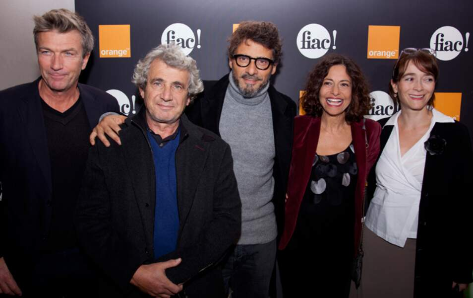 Philippe Caroit, Michel Boujenah, Pascal Elbé, Gisèle Tsobanian, et Delphine Ernotte Cunci à la Fiac.