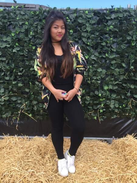 Marvellous Island Festival 2016: Victoria dans son bomber léger imprimé de chez Zara