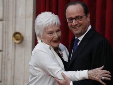 Line Renaud faite Commandeur de l'Ordre national de la Légion d'Honneur devant un parterre de stars