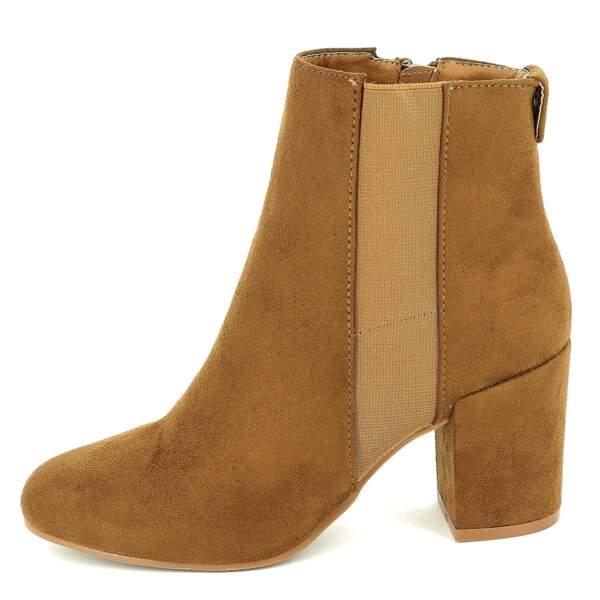 15 pièces modes à shopper chez Kiabi : Boots à talons en suédine, 16 euros au lieu de 20 euros