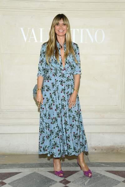 Do Heidi Klum et sa robe printanière chez Valentino