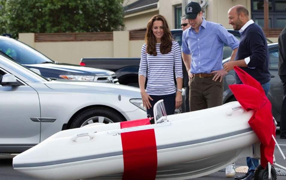 En repartant, ils gagnent un bateau... mais pour le Prince George. Il n'y en a que pour lui !
