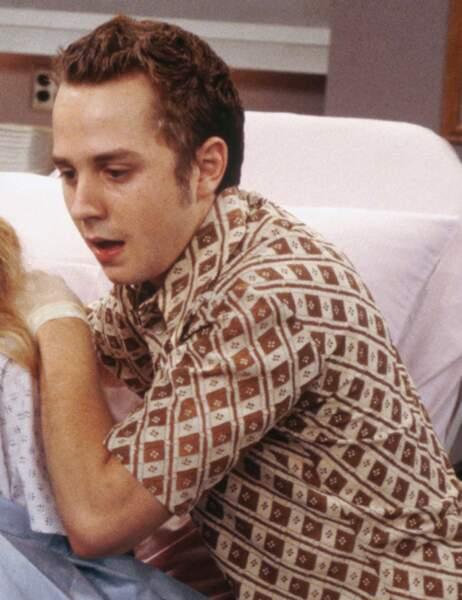 Frank Buffay Jr. est le petite frère que se découvre Phoebe