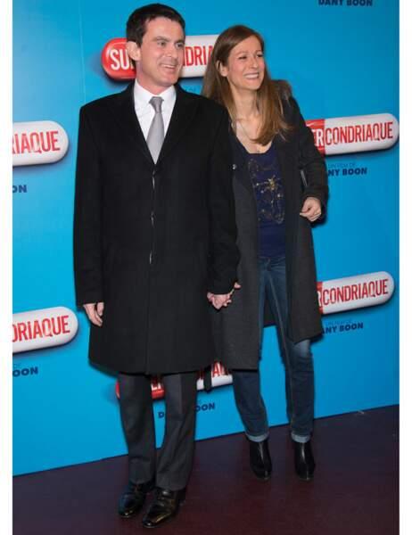 Manuel Valls, le ministre de l'Intérieur, est accompagné d'Anne Gravoin, son épouse