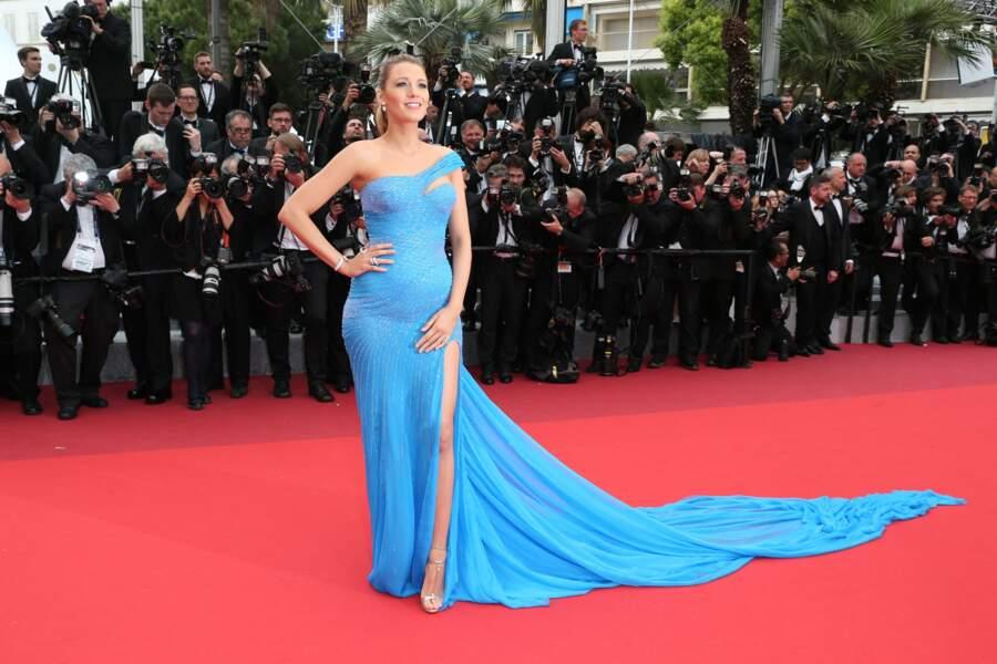 Blake Lively à Cannes dans une robe longue à traîne