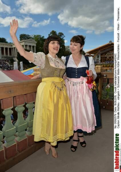 """""""BONJOUR SEVILLE !"""" (""""Mireille, on est à Munich..."""")"""