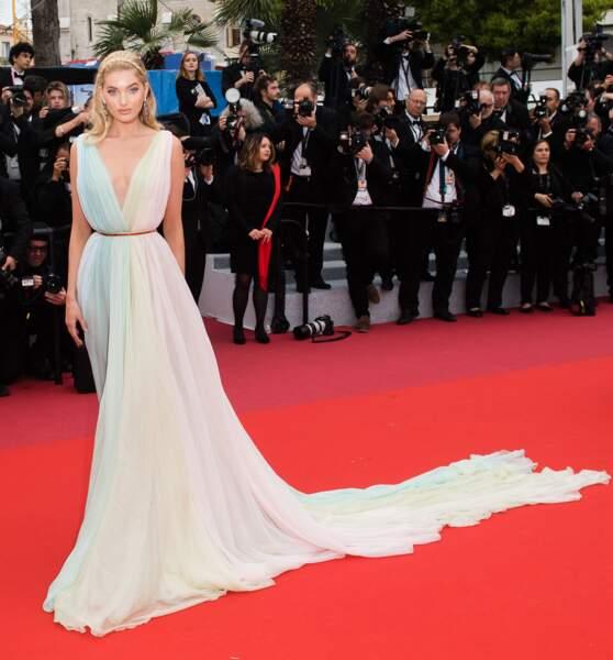 Do : Elsa Hosk en robe Etro
