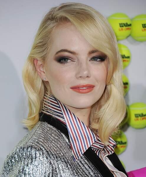 Cheveux : quand les stars passent toutes au blond, comme Emma Stone