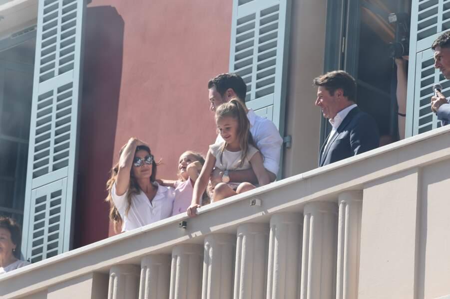 Venu avec ses deux filles, Anna-Rose et Giuliana, Hugo Lloris a bien eu du mal à les gérer