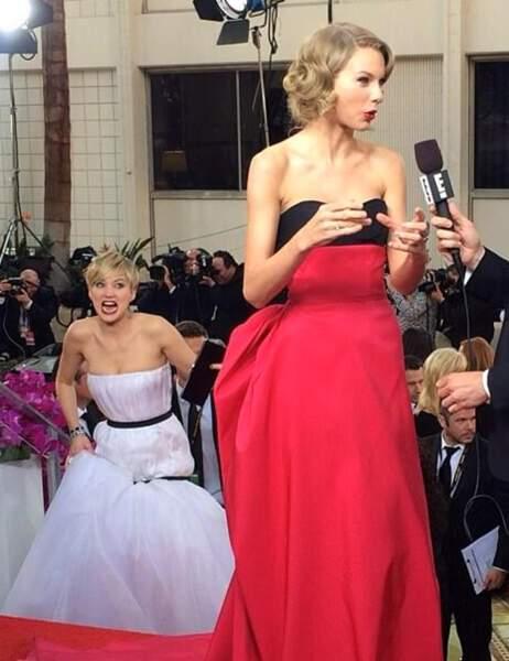 Jennifer Lawrence, pour un photobombing de toute beauté derrière Taylor Swift