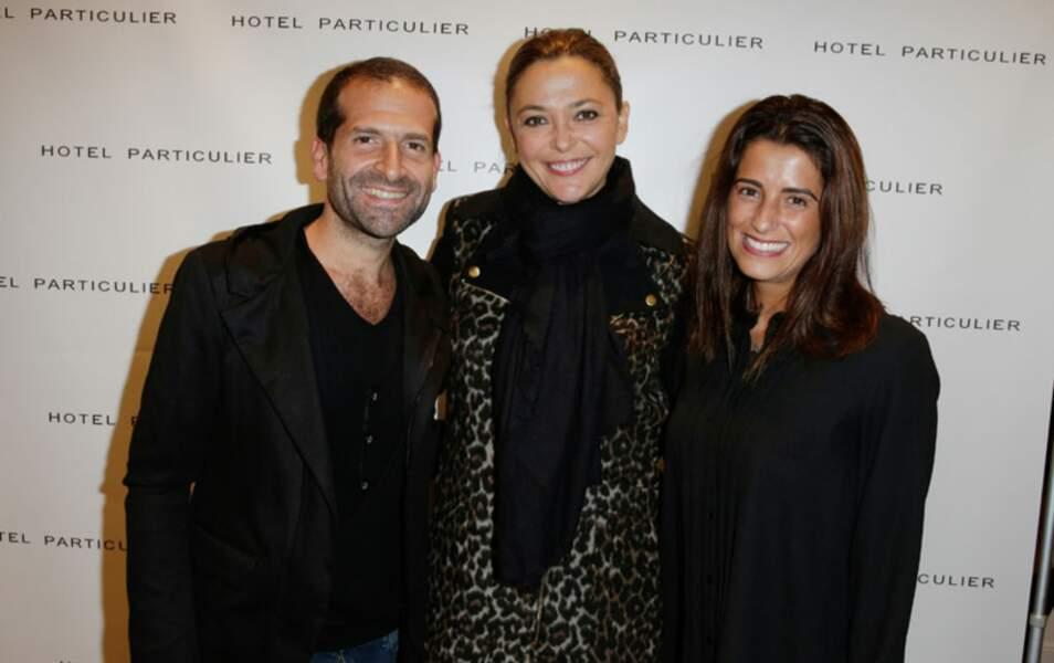Sandrine Quétier entourée des créateurs Eddy et Roxane Rizal