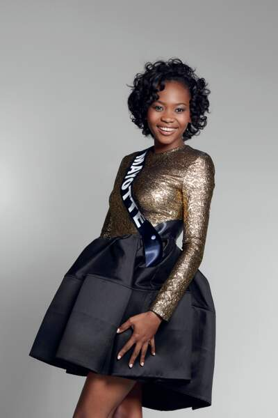 Miss Mayotte : Naïma Madi Mahadali – 19 ans