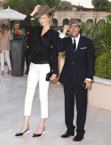 L'ex-top model pose avec Bernard Montiel