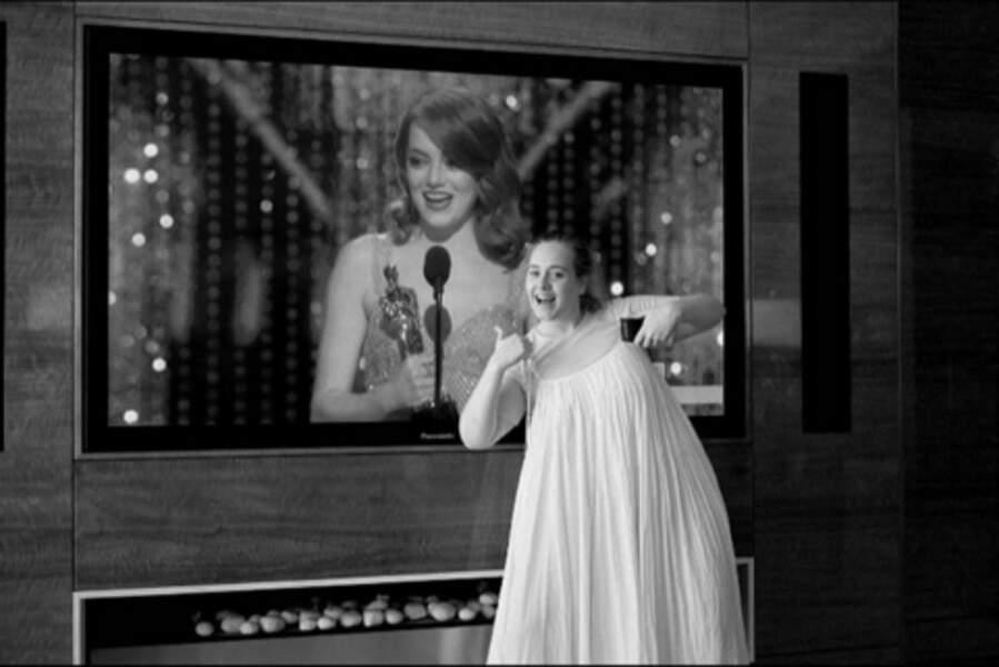 Adele a tout regardé depuis chez elle, et elle était en joie pour Emma Stone