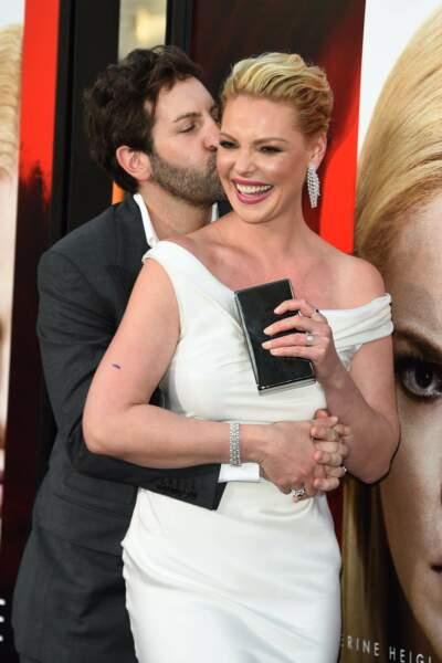Avant-première d'Unforgettable : Josh Kelley et Katherine Heigl s'embrassent