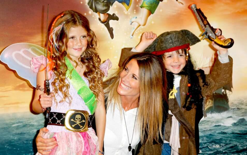 Sophie Thalmann et ses enfants à l'avant-première de Clochette et la fée pirate