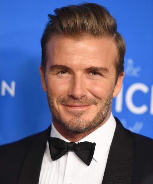 David Beckham avec une barbe de trois jours : bonjour, je peux avoir votre 06?