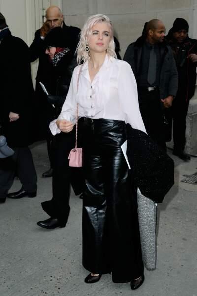 Défilé Chanel Haute Couture : Cécile Cassel a inauguré ses nouveaux cheveux roses