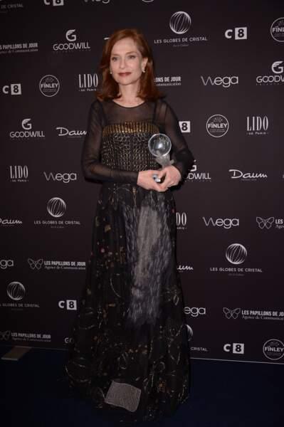 Globes de cristal 2017 : Isabelle Huppert récompensée pour sa prestation dans Elle