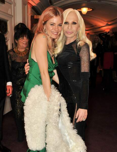 Sienna et Donatella, le duel des blondes