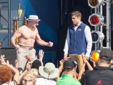 Zac Efron et Robert De Niro jouent les messieurs muscles sur le tournage d'un film