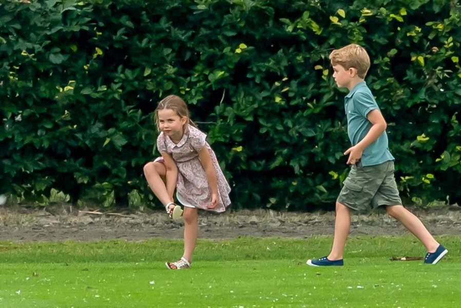 Le prince George et la princesse Charlotte lors du match de polo de son père à Wokingham, mercredi 10 juillet