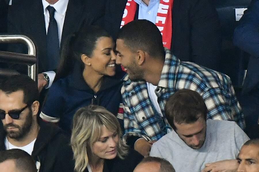 Les people au match PSG vs Bayern de Munich : Younes Bendjima et Kourtney Kardashian