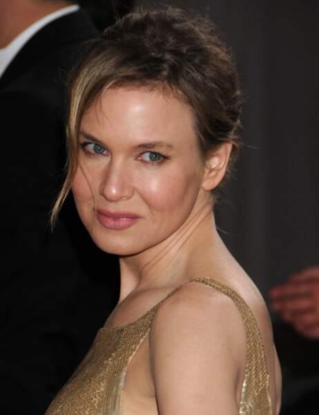 Aux Oscars 2013, la star ressemble à une statue