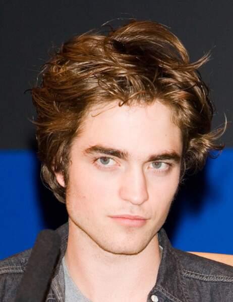 Robert Pattinson, c'était soi-disant le beau gosse dans Harry Potter.