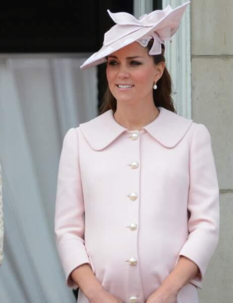 Kate Middleton le 15 juin 2013 (son fils George est né le 22 juillet)
