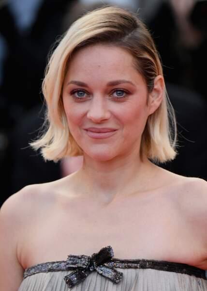 Cheveux : quand les stars passent toutes au blond, comme Marion Cotillard