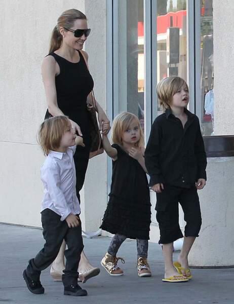 Knox, Angelina Jolie, Vivienne et Shiloh Jolie-Pitt