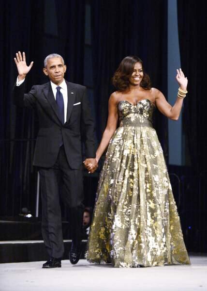 """Michelle Obama en Naeem Khan """"Allez, c'est moi la plus stylée, saluuuuut"""""""
