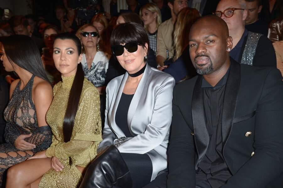 Défilé Balmain printemps-été 2017 : Kourtney Kardashian, Kris Jenner et son petit ami Corey Gamble