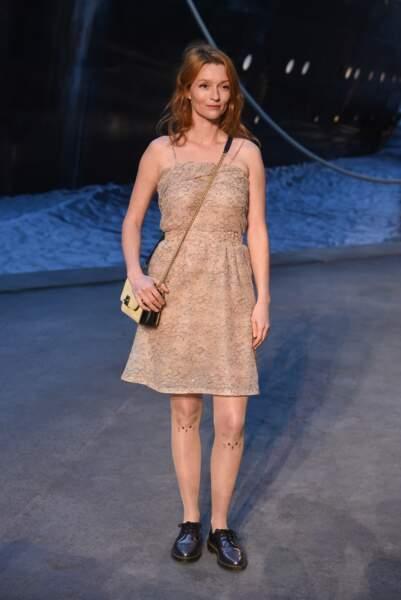 Audrey Marney au défilé Chanel croisière 2018, le 3 mai au Grand Palais