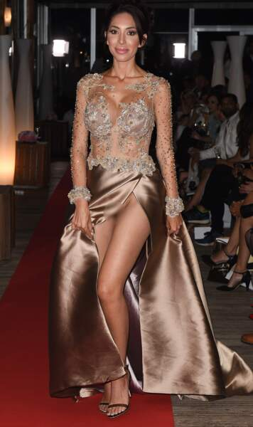 Farah Abraham choque la Croisette dans sa robe fendue sans culotte