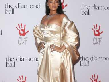 Rihanna radieuse et en famille sur le tapis rouge